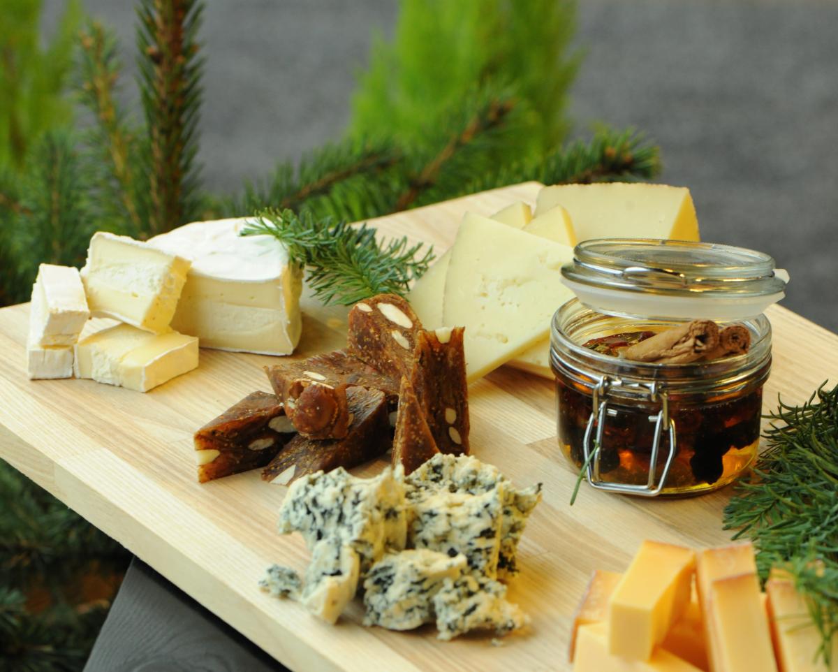 Bestil osten til dit julebord og juleforkost fra Osteriet og ko.